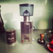 @caffesalimbene around the world.  #Repost @del_medico_monaco • • • • • • #newtoyfortheboy #oldbutgold #repairday  #coffeelover #madeinitaly #bezzera #bb005tm #coffeemill #bevorafter #salimbene #kaffeemühle#italianespresso #italiancoffee