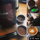 It's time for a good espresso!  #Repost @faqkac • • • • • • #salimbene #lapavoni #doubleristretto #flatwhite #goodmorning #newcoffee