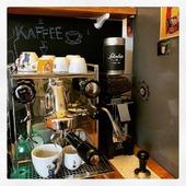 @caffesalimbene around the world.  Live from Friedrichshain, Berlin  Repost @m_hasentopf - Thank you for sharing!  #salimbene #caffesalimbene #italiancoffee #italianespresso #italianespressobar #napoli #caffenapoletano #neapolitancoffee #madeinitaly