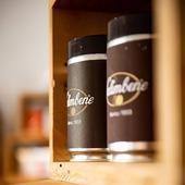 Se l'amore è nell'aria, di sicuro ha il profumo di caffè.  #caffesalimbene #salimbene #salimbene1933 #sanvalentino #caffeitaliano #caffenapoli #igerscoffee #coffeelover #coffeelovers #italia #italianespresso #espresso #espressonapoletano #sanvalentino2020